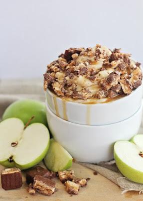 snickers caramel apple dip