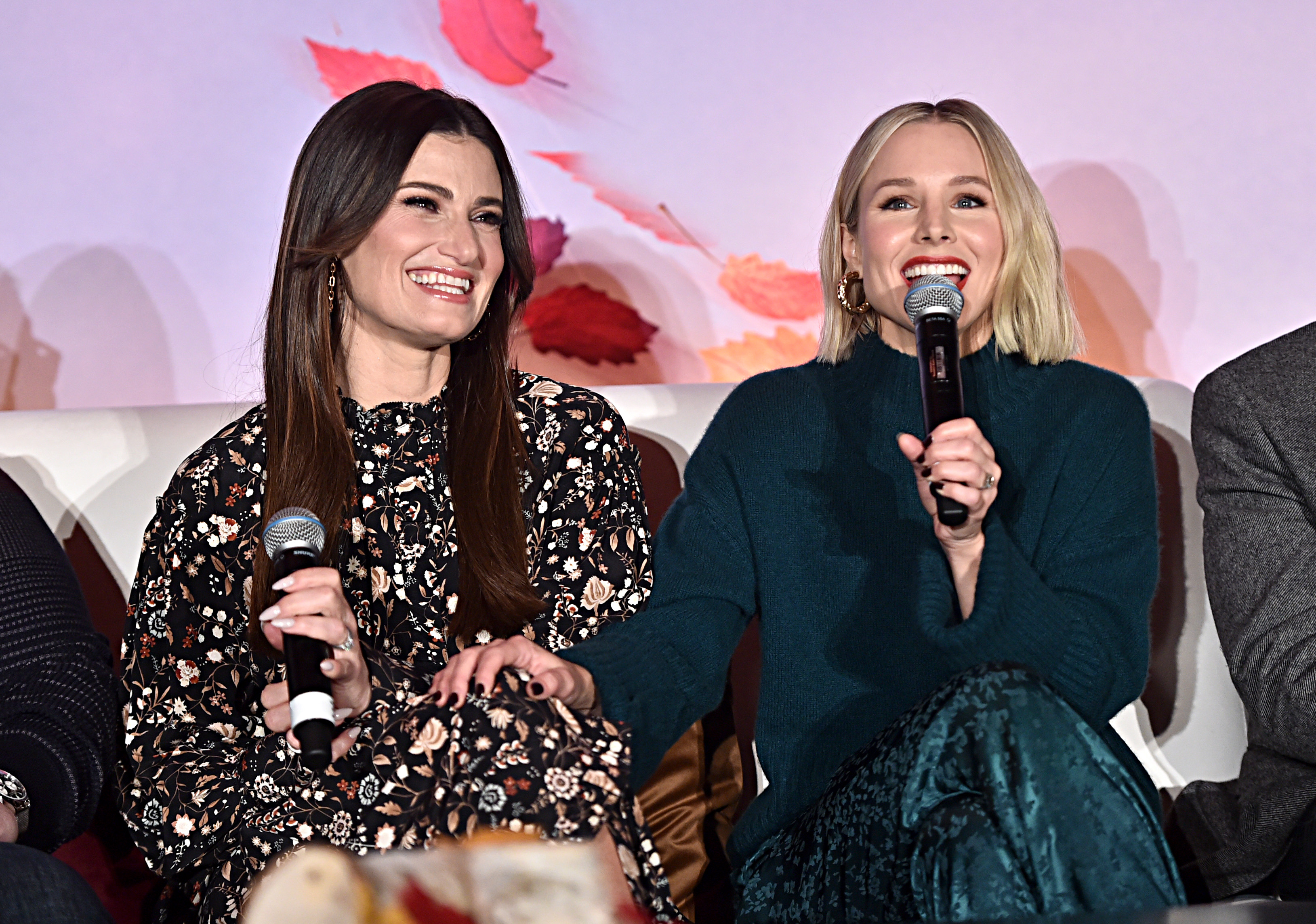 Kristen Bell and Idina Menzell Frozen 2 Press Conference
