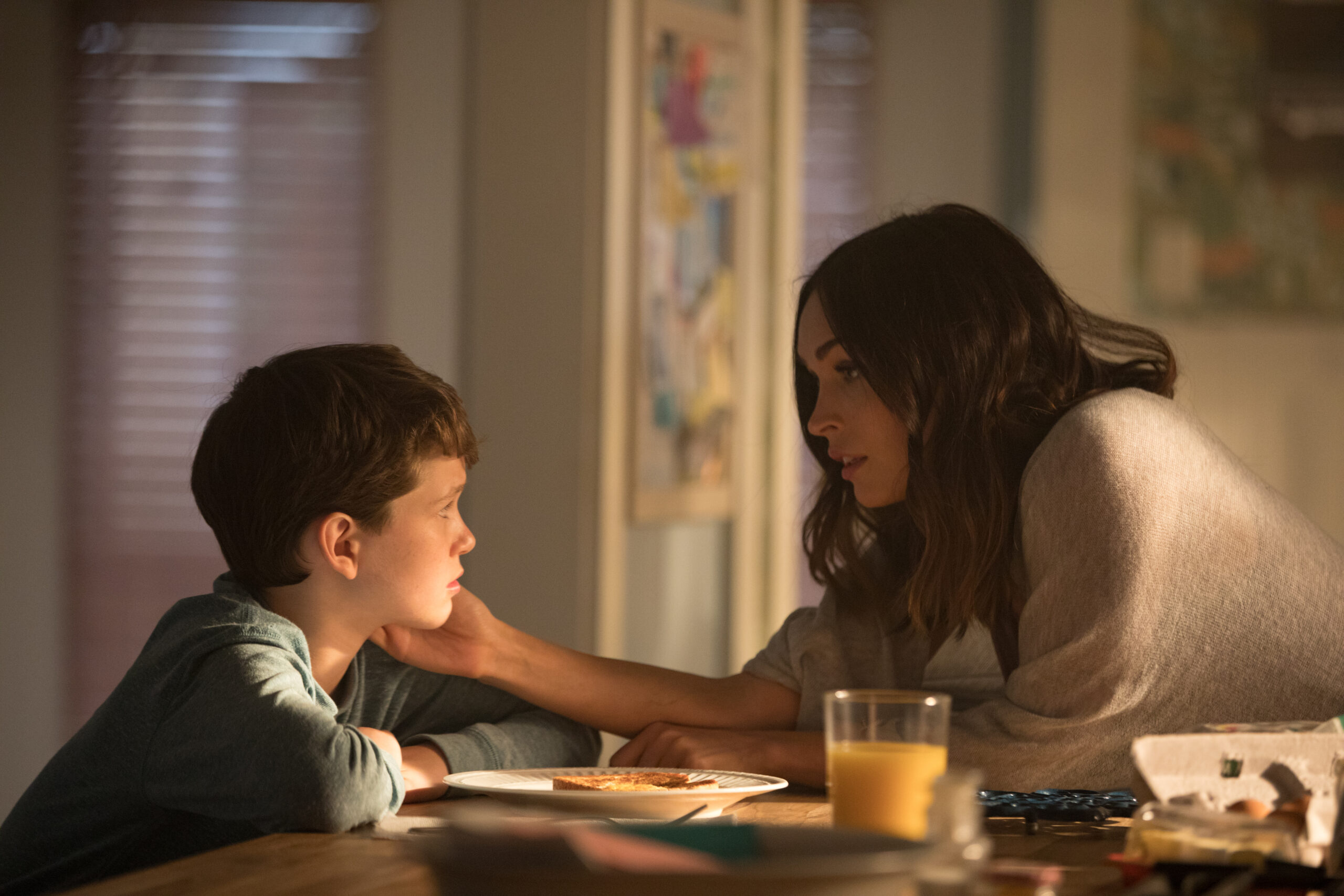 Oliver and Ellen (mom) in Think Like a Dog